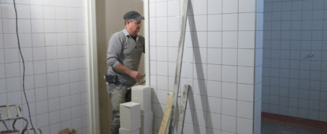 Werk aan de nieuwe kleedkamers verloopt nog steeds voorspoedig