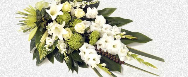 Bloemen en herinneringen ter ere van Sybe